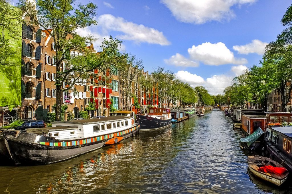Canals_of_Amsterdam