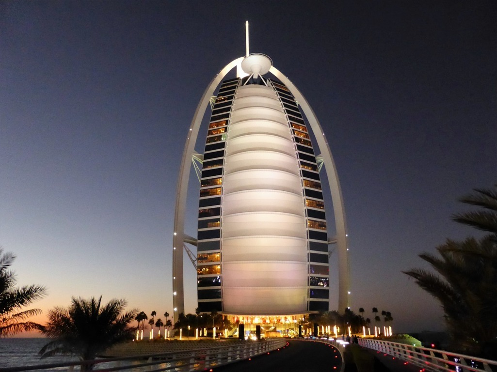 Burj_Al_Arab_(FILEminimizer)